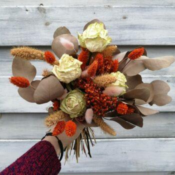 herfstboeket met droogbloemen
